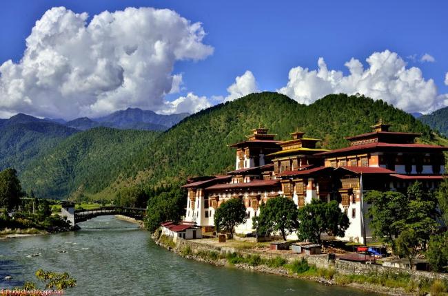 mua tour du lich bhutan gia re